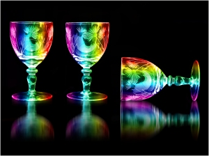 3 Glasses - John Vidgeon