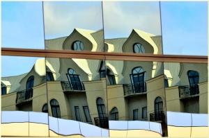 Essence of Gaudi - Helen Whitford (set)