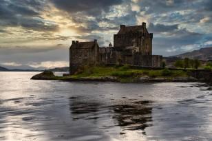 Di Gage - Eileen Donon Castle